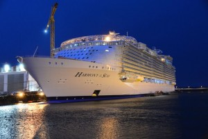 l-Harmony-of-the-Seas-sur-le-chantier-naval-de-Saint-Nazaire